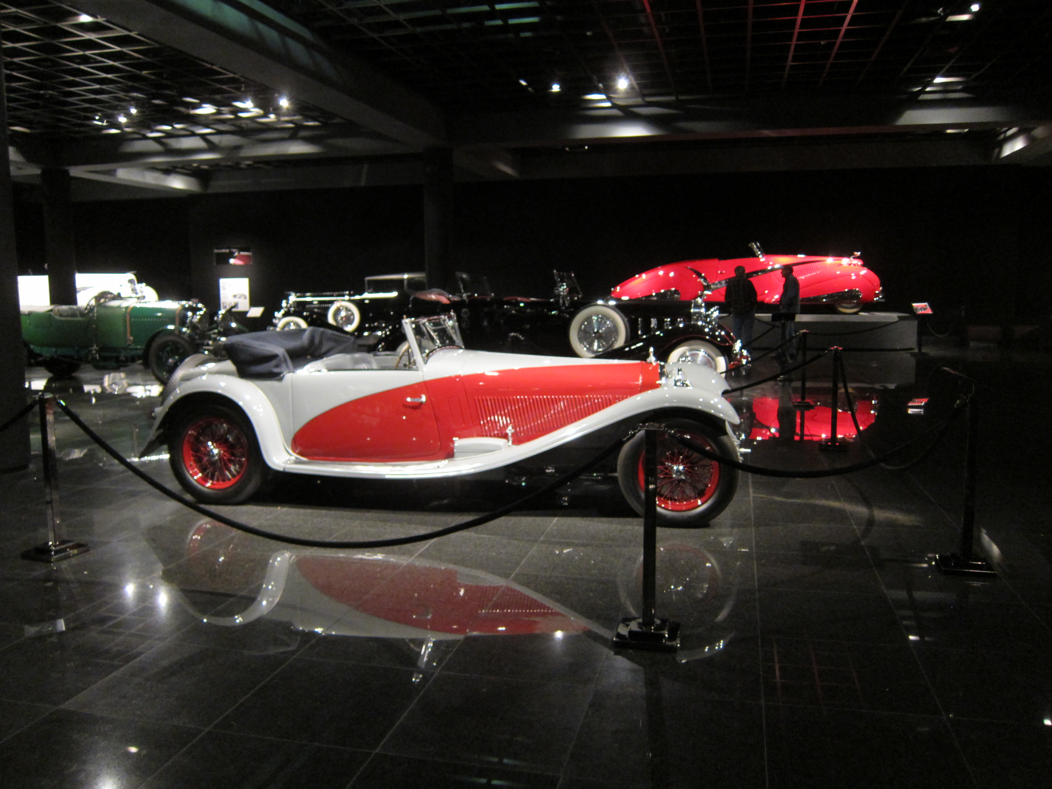 Blackhawk_Automobile_Museum_-_Flickr_-_jaycross_(23)